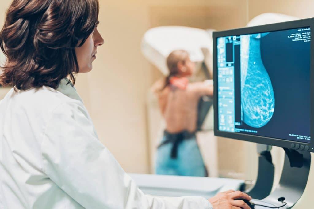 Exames podem mapear DNA e calcular risco de doenças porquê o cancro