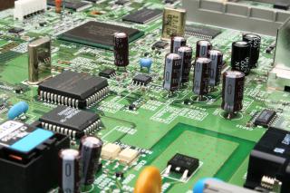 Há conflito entre a segurança digital e o conserto de eletrônicos?